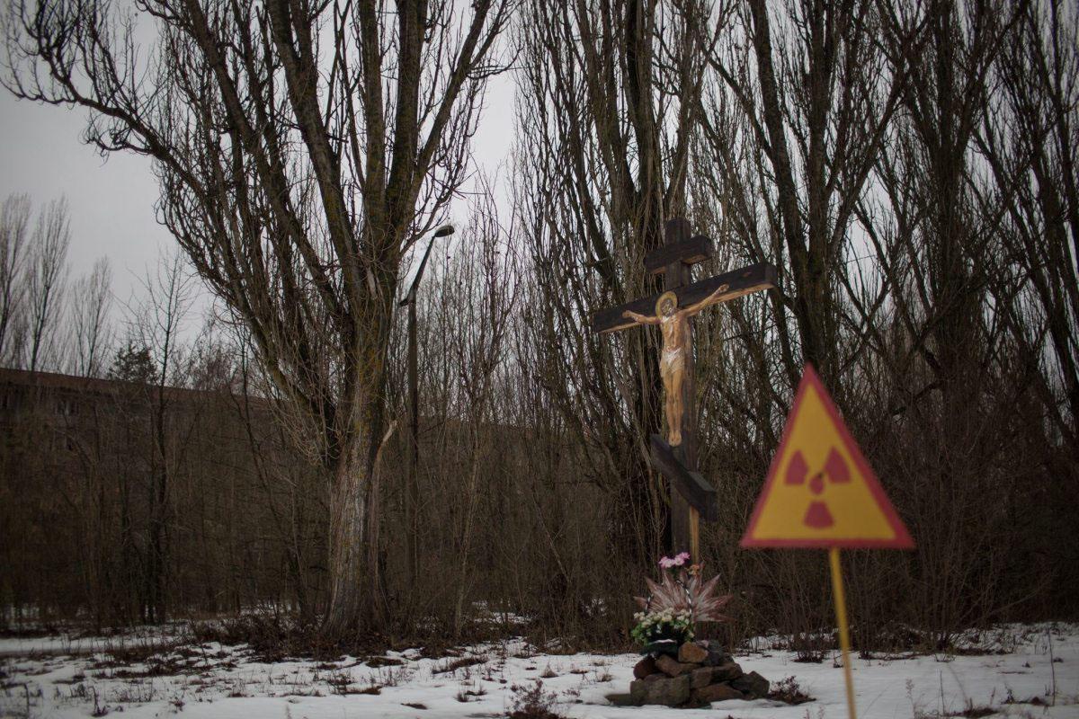 Christus und die Warnung vor Radioaktivität in trauter Vereinigung: Pripjat 30 Jahre danach.