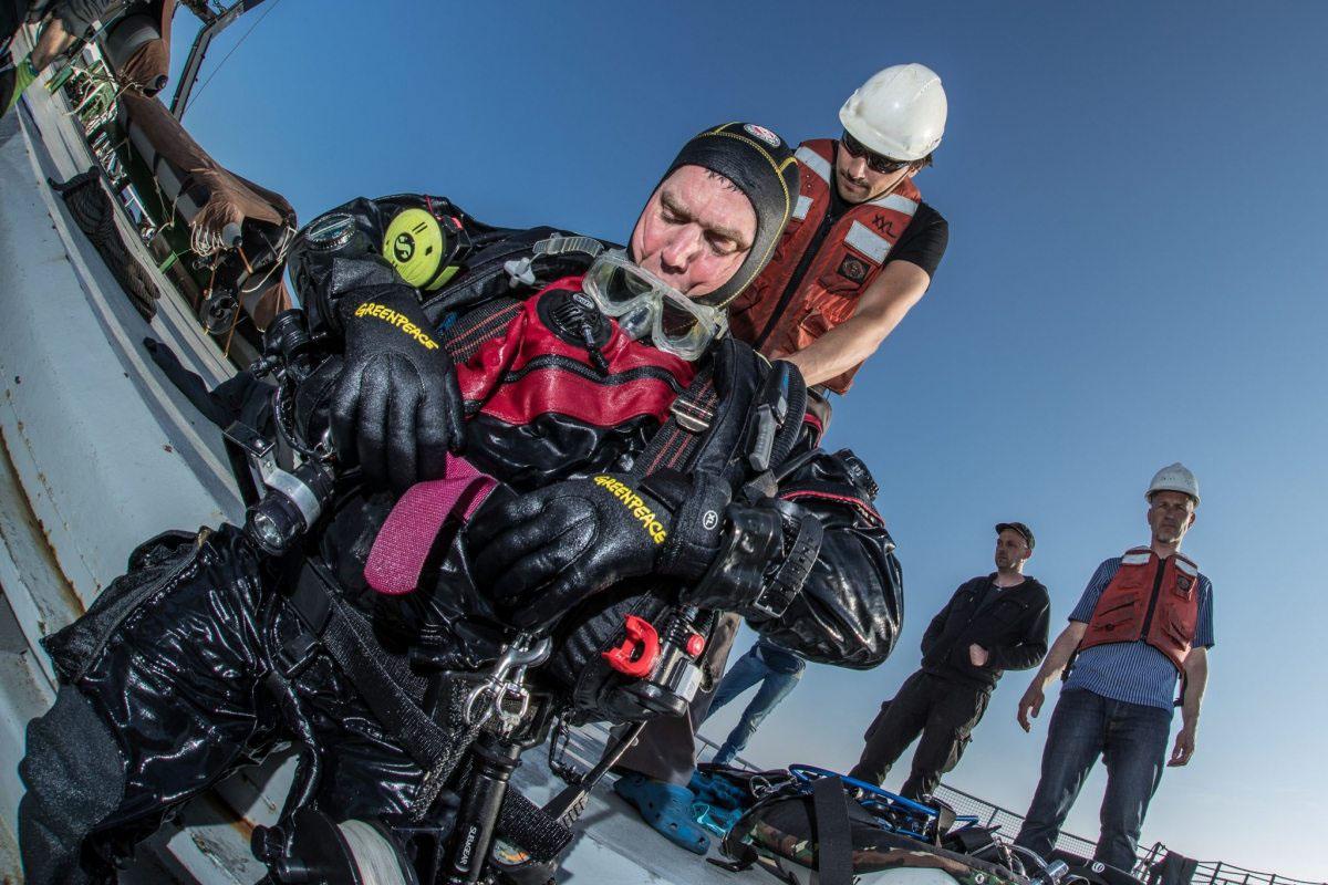 Der Greenpeace-Meeresexperte Thilo Maack nach einem Tauchgang am Sylter Außenriff im Mai 2016. Die Strömung ist stark, jeder Tauchgang ein hoch anstrengendes Unterfangen. Nur für Profis geeignet.