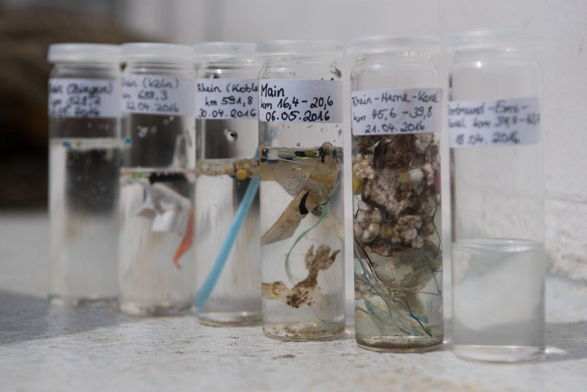 In allen Gewässern findet sich Plastik und Mikroplastik. Es ist die Plastik-Plage des 21. Jahrhunderts.