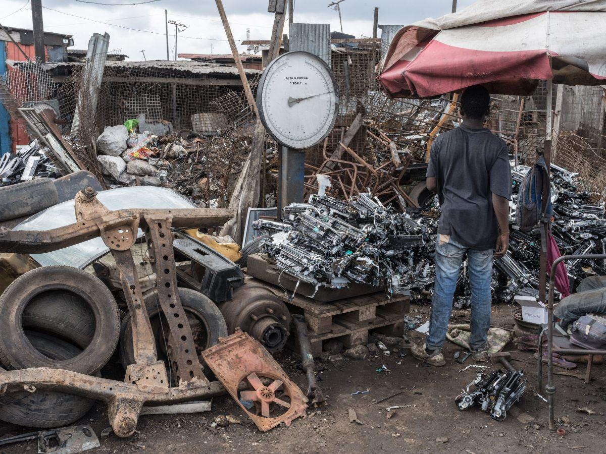 Ein Großteil des weltweiten Elektroschrotts landet häufig in armen Ländern wie Ghana.