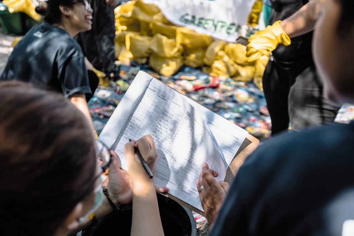 Insgesamt konnten über 54.000 Plastikteile zugeordnet werden – allein 9000 stammten von Nestlé.