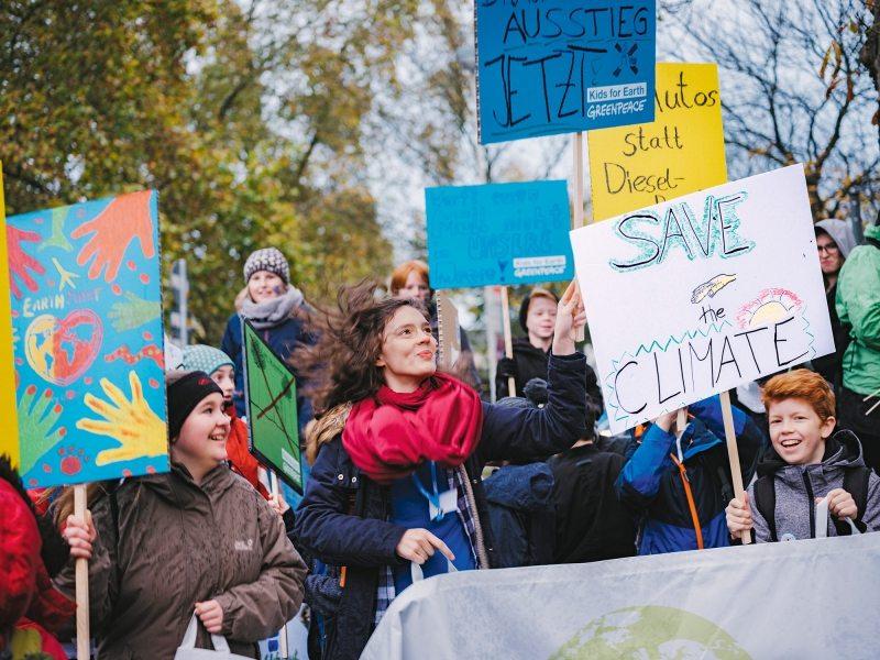Klimaschutz macht Spaß: Die Kids for Earth setzen sich in Bonn lautstark dafür ein, dass die Erde auch in Zukunft bewohnbar bleibt.