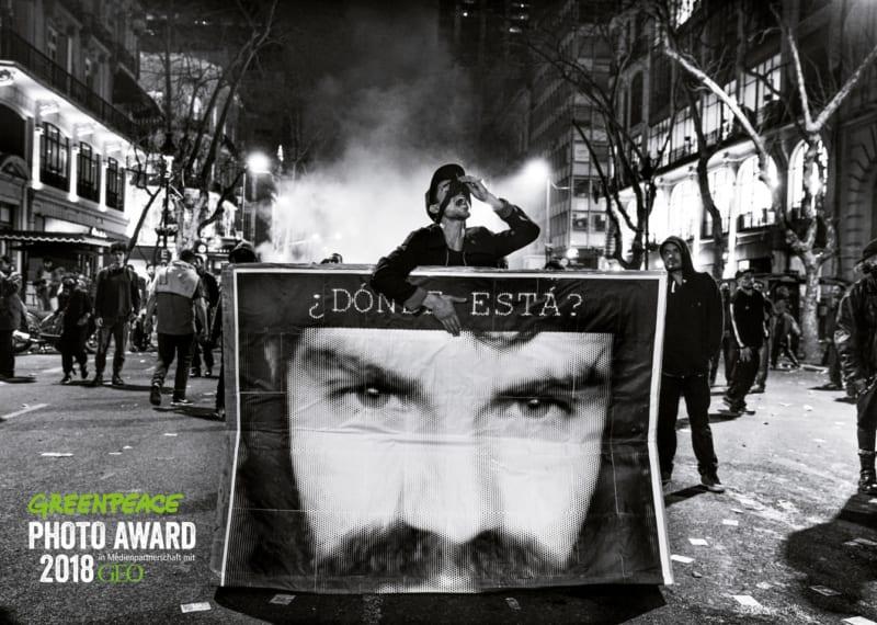 Vermisst: Immer wieder verschwinden Mapuche-Aktivisten. Dieses Foto von Pablo E. Piovano entstand bei einer Massenkundgebung in Buenos Aires