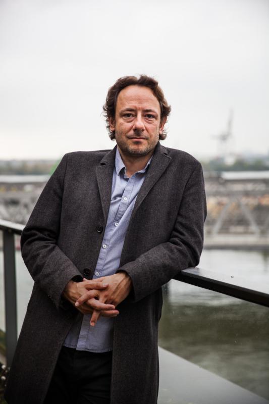 Alexander Lurz, 42, studierte in Berlin Geschichte und Politik. Der Friedens- und Abrüstungsexperte ist mehrmals in Kriegsgebiete gereist, hat sich intensiv mit dem Mittleren Osten auseinandergesetzt und zuletzt für Die Linke im Bundestag zu Rüstungsthemen gearbeitet. Sie können ihm auf Twitter folgen: @AlexanderLurz