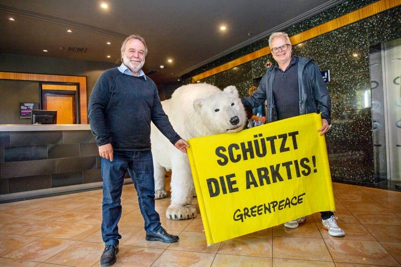 Mit Greenpeace-Geschäftsführer Roland Hipp sprach Herbert Grönemeyer über Klimapolitik