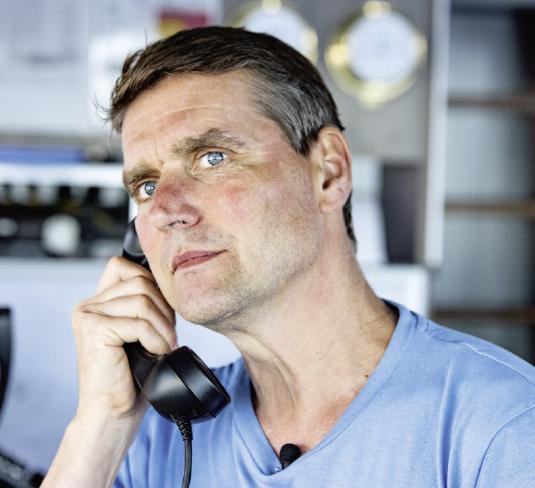 """Thilo Maack, Meeresbiologe und leidenschaftlicher Taucher, an Bord der """"Arctic Sunrise"""""""