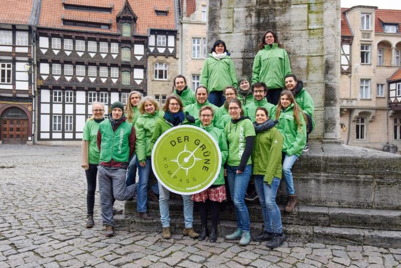 Für Greenpeace in Braunschweig aktiv (von oben und von links): Bettina, Daniela, Max, Pauli, Andrea, Alexander, Christina, Erwin, Ronja, Johanna, Robert, Jannes, Antje, Britta, Wiebke, Henrike, Tanja