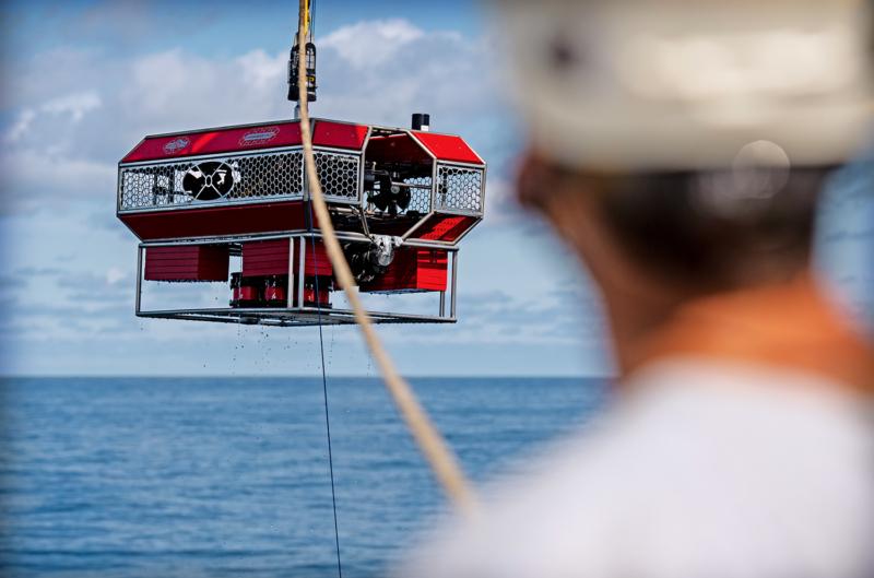 Mithilfe dieses Unterwasserroboters werden in der Tiefe Wasserproben genommen